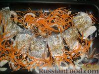 Фото приготовления рецепта: Щука, запеченная с картофелем - шаг №5