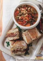 Фото к рецепту: Быстрый фасолевый суп с фаршированной чиабаттой