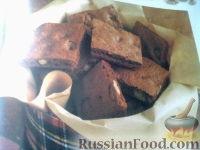 Фото к рецепту: Шоколадные пластинки с орехами