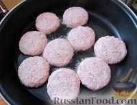 Фото приготовления рецепта: Котлетки из крабового мяса - шаг №4