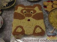 """Фото к рецепту: Бисквитный торт """"Мишка"""""""