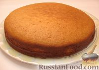 Фото приготовления рецепта: Пирог из сгущенки - шаг №4