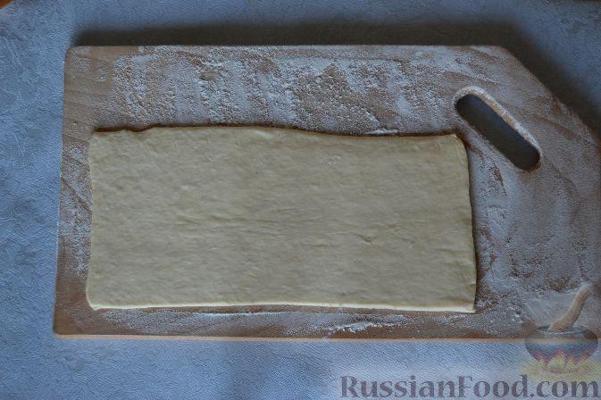 рецепт выпечки из слоеного дрожжевого теста готового