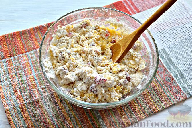 Фото приготовления рецепта: Песочный пирог с баклажанами, грибами и сыром - шаг №6