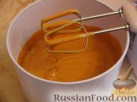 Фото к рецепту: Сметанный крем с вареной сгущенкой, для торта