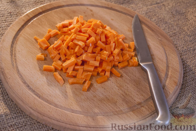 Фото приготовления рецепта: Маринованные арбузные корки на зиму - шаг №5