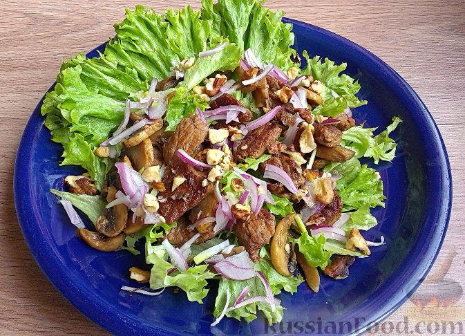 Салат с грибами сверху рецепт