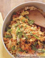 Фото к рецепту: Рис с яйцами и овощами