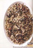 Фото к рецепту: Перловка с грибами и луком