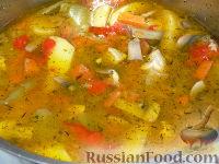Фото к рецепту: Суп со свининой,  шампиньонами и  болгарским перцем