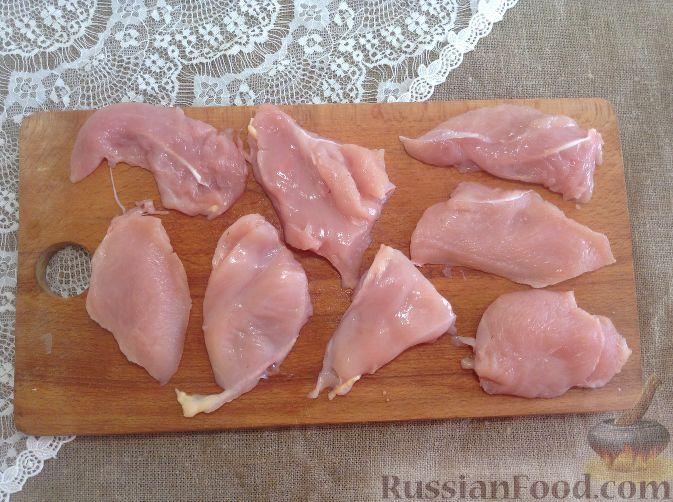 Фото приготовления рецепта: Жареная куриная печень с чесночно-соевым соусом - шаг №3