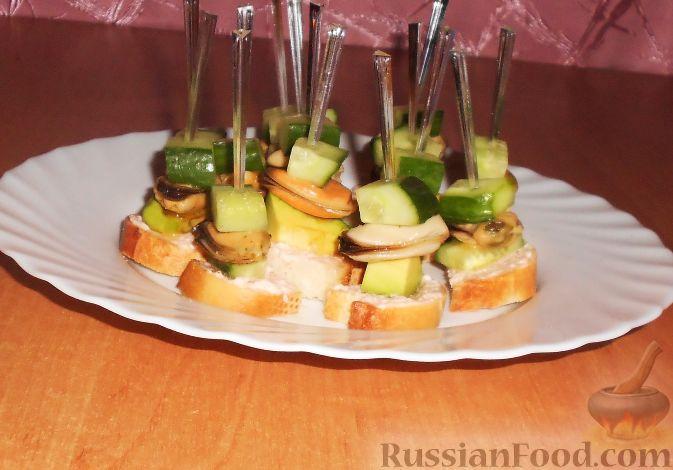 """Фото приготовления рецепта: Новогодний салат """"Селёдка под снегом"""" - шаг №6"""