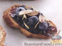 Фото к рецепту: Гренки с черникой на завтрак
