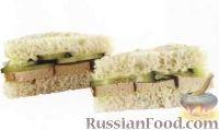Фото к рецепту: Закусочный сэндвич с сыром тофу и огурцом