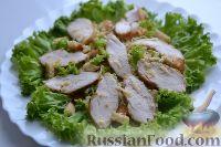 "Фото к рецепту: Салат ""Цезарь"" с курицей"