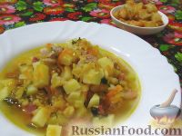 Фото к рецепту: Классический гороховый суп на свиных ребрышках