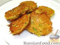 Фото к рецепту: Картофельные оладьи с зеленым луком, паприкой и мускатным орехом