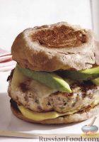 Фото к рецепту: Бургер с котлетой, жаренной на гриле
