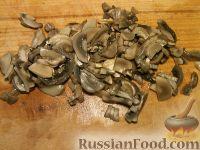 Фото приготовления рецепта: Жульен из шампиньонов - шаг №4
