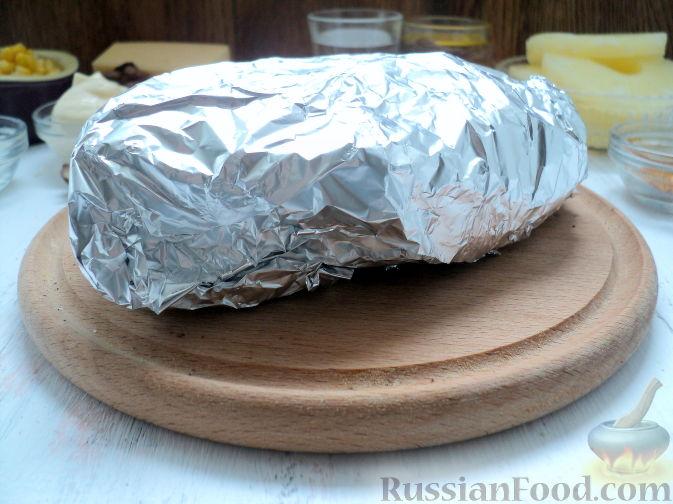 Фото приготовления рецепта: Салат с курицей и ананасом - шаг №5