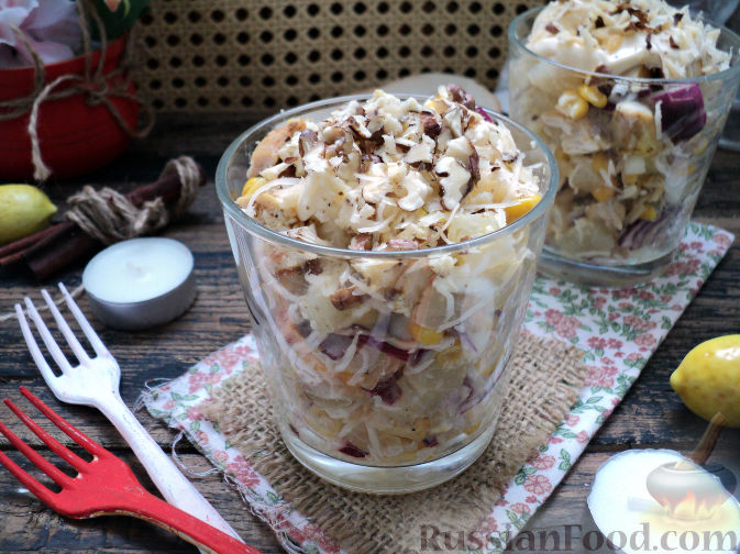 Фото приготовления рецепта: Салат с курицей и ананасом - шаг №15