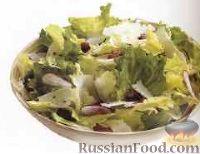 Фото к рецепту: Салат с беконом, редисом и сыром
