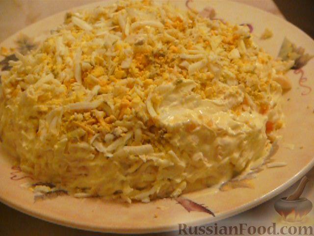 Фото приготовления рецепта: Салат «Полянка» - шаг №7