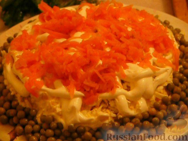 Фото приготовления рецепта: Салат «Полянка» - шаг №8