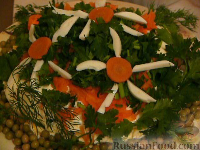 Фото приготовления рецепта: Салат «Полянка» - шаг №9