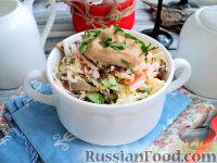 Фото к рецепту: Салат с шампиньонами и крабовыми палочками