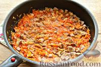 Фото приготовления рецепта: Макароны с отварной говядиной и овощами - шаг №6