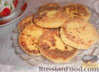 Фото к рецепту: Сырники без муки, с манкой и кокосовой стружкой