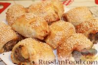 Фото к рецепту: Купаты или колбаски в слоеном тесте