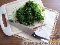 Фото приготовления рецепта: Бутерброды со шпротами - шаг №3