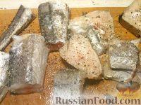 Фото приготовления рецепта: Хек жареный - шаг №3