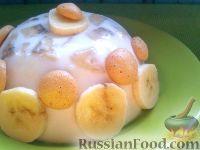 Фото к рецепту: Крем из взбитой сметаны с бананами
