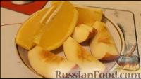 Фото приготовления рецепта: Курица, запеченная с яблоками и апельсинами - шаг №6