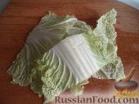 Фото приготовления рецепта: Салат из пекинской капусты - шаг №3
