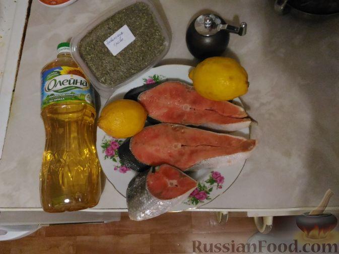 """Фото приготовления рецепта: Салат """"Зимний"""" с селедкой и яблоком - шаг №6"""