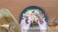 """Фото приготовления рецепта: Салат """"Цезарь"""" с курицей - шаг №5"""