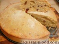 Фото к рецепту: Пирог на молоке, с изюмом