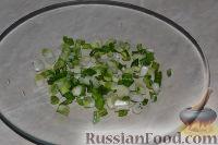 Фото приготовления рецепта: Салат из пекинской капусты с яблоком и морковью - шаг №6
