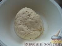 Фото приготовления рецепта: Тесто бездрожжевое на сметане (для лепешек) - шаг №6