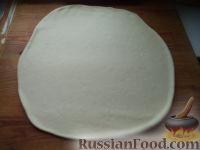 Фото приготовления рецепта: Тесто бездрожжевое на сметане (для лепешек) - шаг №7
