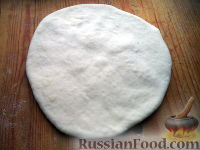 Фото приготовления рецепта: Тесто бездрожжевое на сметане (для лепешек) - шаг №8