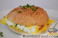 Фото к рецепту: Завтрак на скорую руку (бутерброд с яйцом)