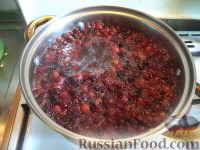 Фото приготовления рецепта: Морс из клюквы - шаг №4