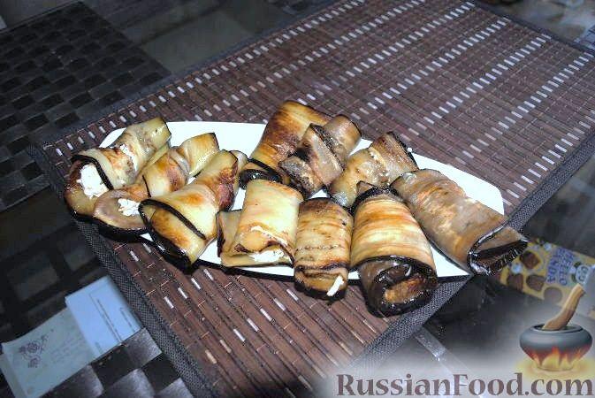 Рецепт Рулетики из баклажанов и сыра с чесноком
