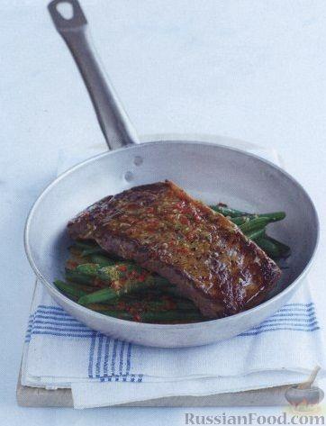 Рецепт Говяжьи стейки с ароматным сливочным маслом и стручковой фасолью