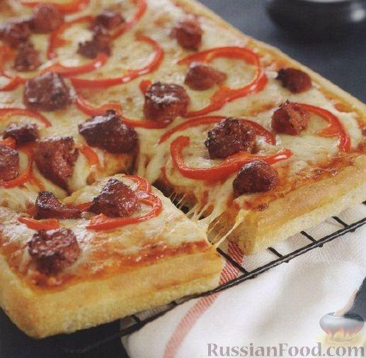Рецепт Пицца с копчеными колбасками, сыром и помидорами